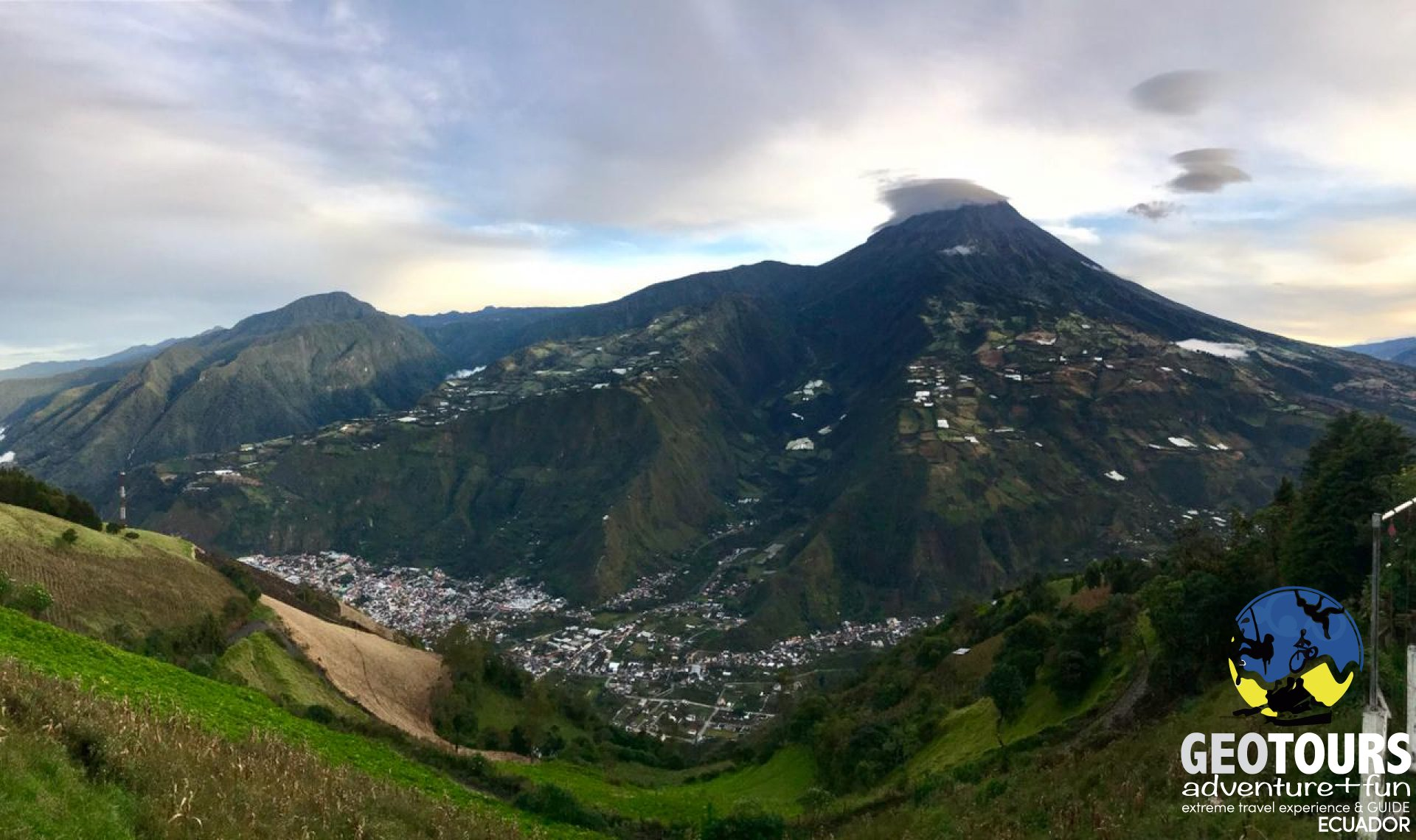 Foto Tourist viewpoints in the city of Baños