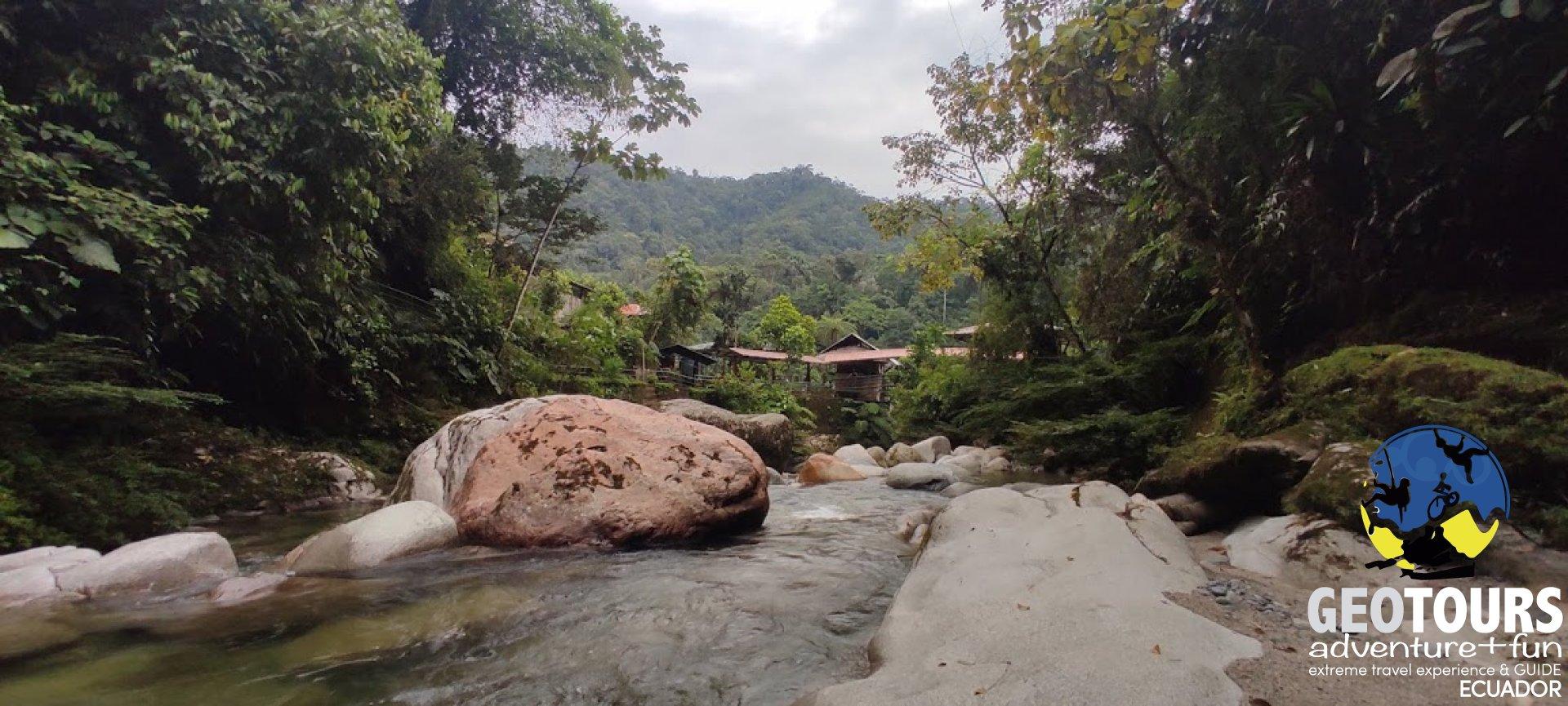 Foto Traveling to La Laguna Azul, Ecuador