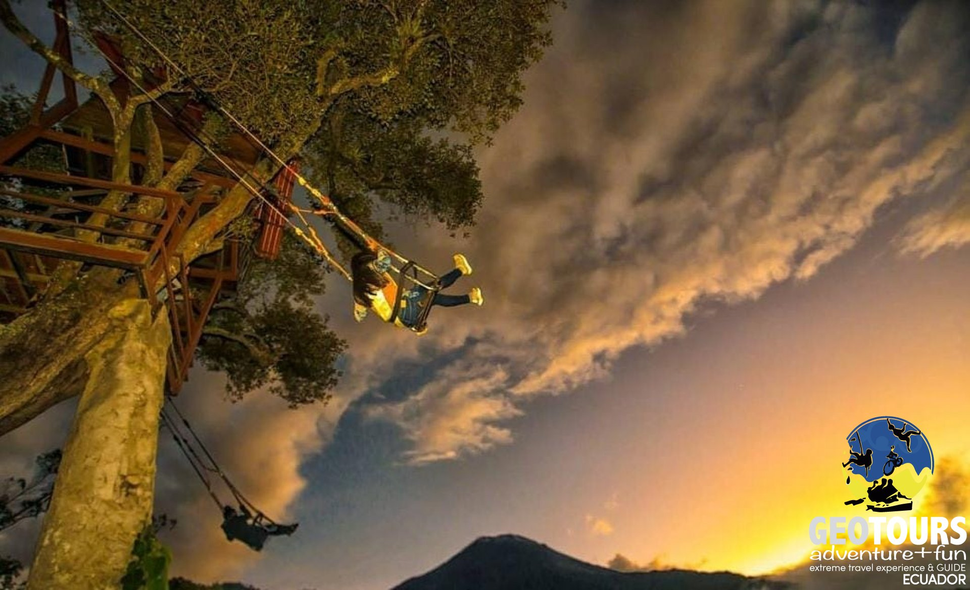 Foto The End of the World Swing - Baños de Agua santa