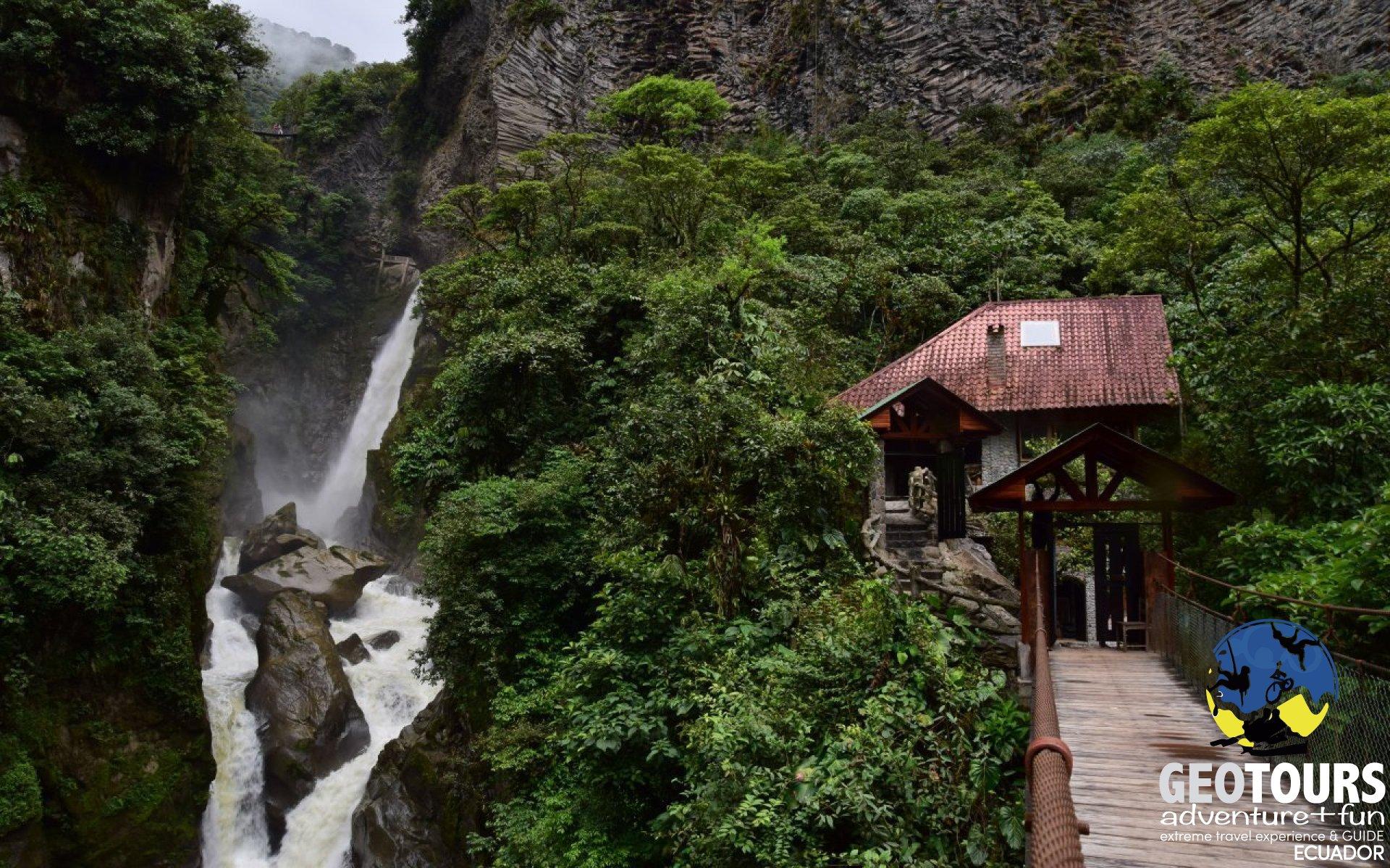 Foto Baños de Agua Santa Waterfalls