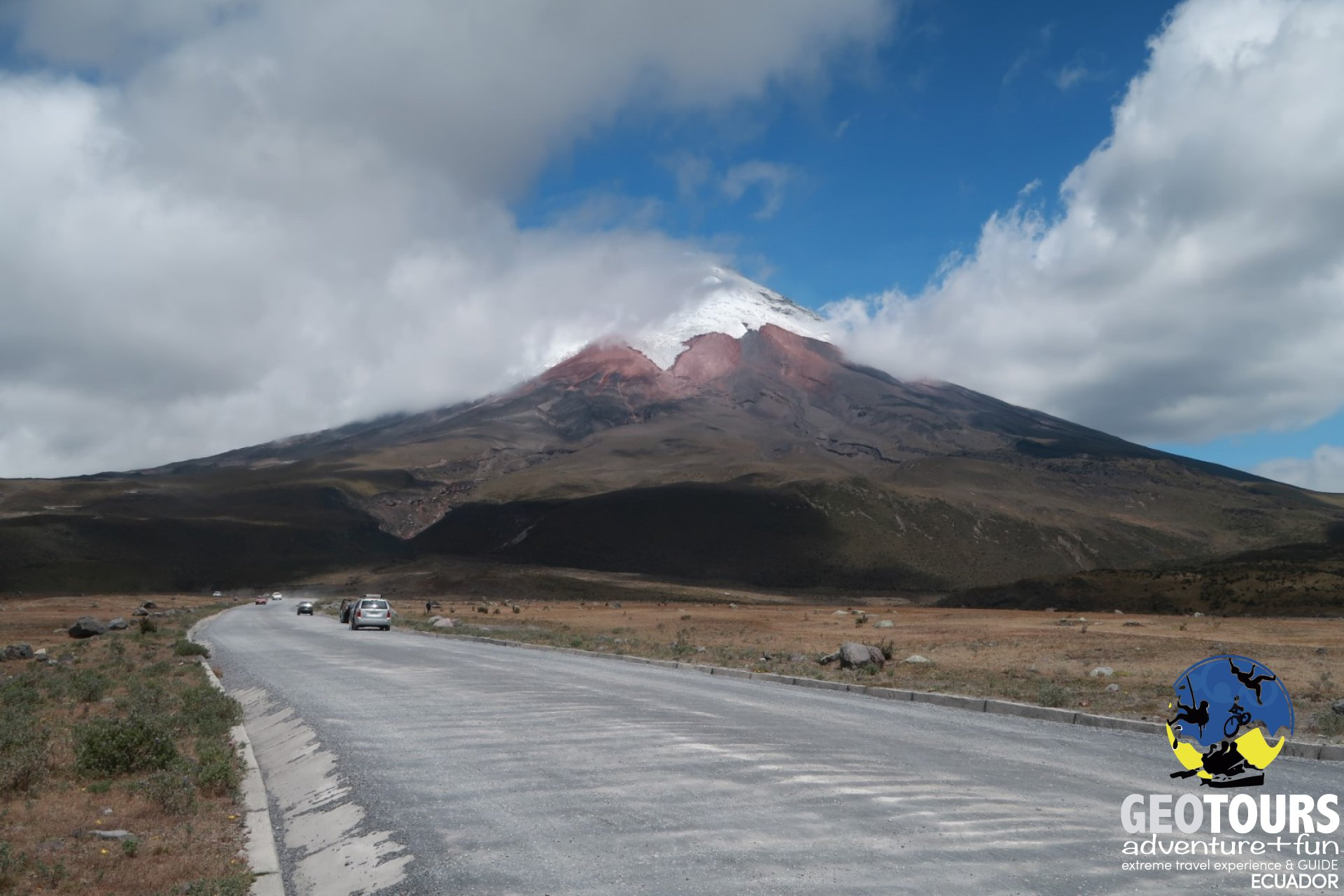 Hike & Bike Cotopaxi – Full Day Tour
