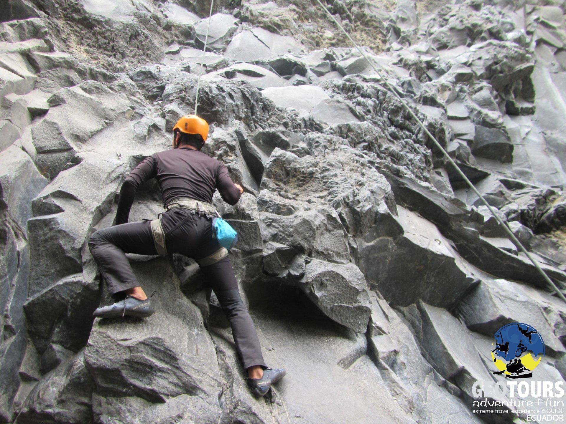equipo de escalada ecuador